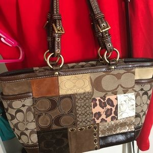 Used coach bag but looks like new and super clean